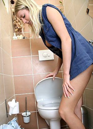 Best Teen Toilet Porn Pictures